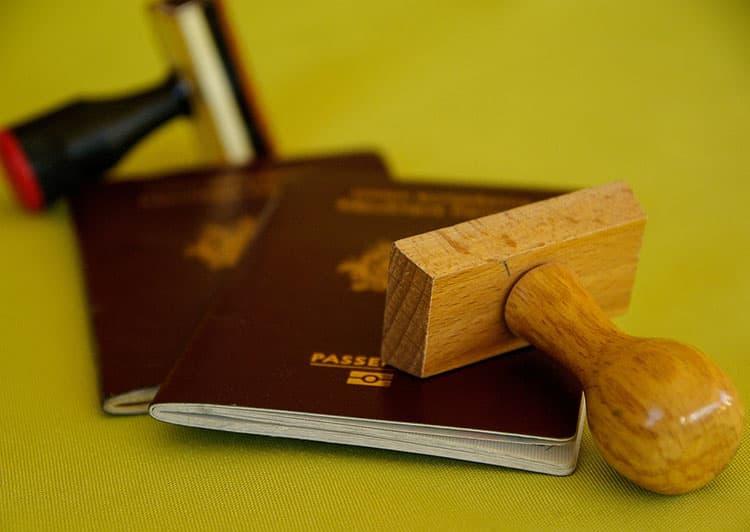 Si me cambio de institución educacional ¿Tengo que pedir una nueva visa?
